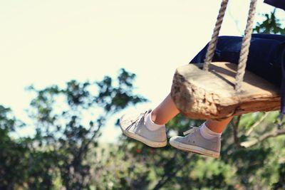 Maya feet swing