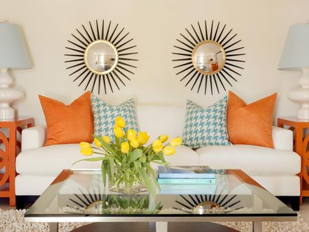 Original_Tobi-Fairley-Houndstooth-Pillows_s4x3.jpg.rend.hgtvcom.1280.960